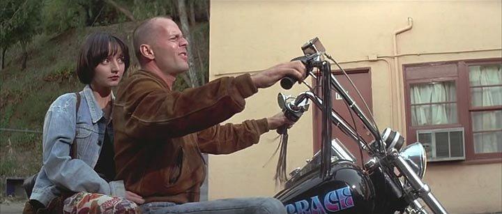 - Так чей это мотоцикл? - Это чоппер, детка.